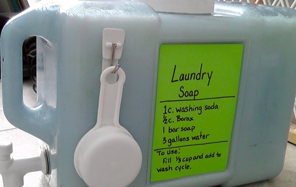 DIY Laundry Soap and I love the container