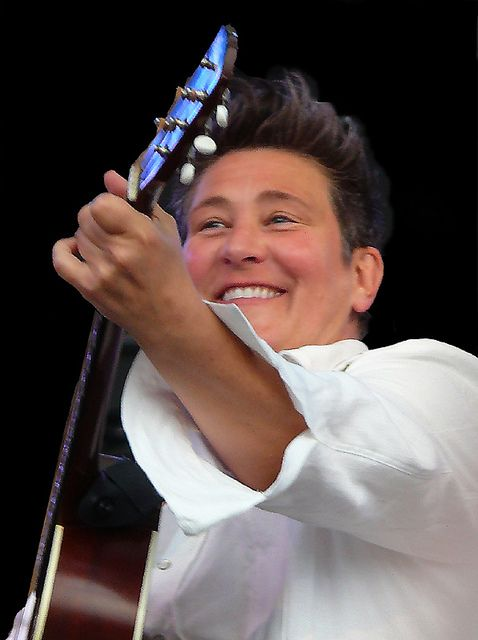 thanks to hkkd on langisms lefora our kd lang fan forum for the share