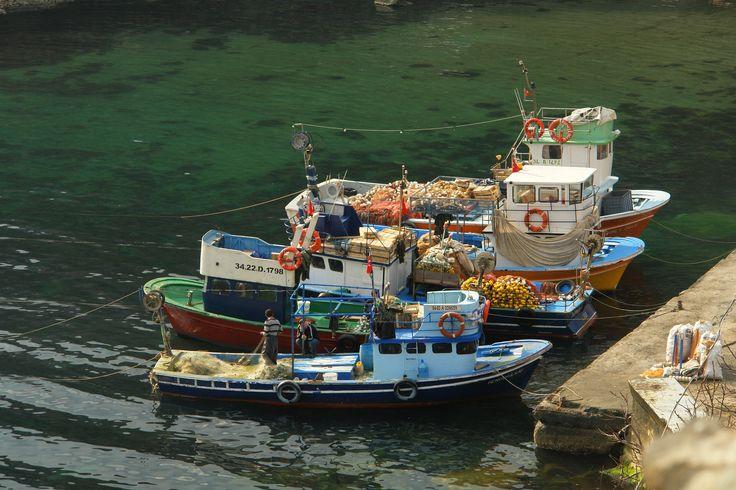 A little bit rest by Bülent Kotaman on 500px #fishing #balıkçı tekneleri