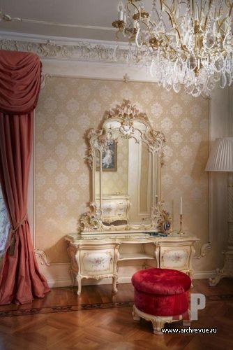 Фото интерьера спальни особняка в классическом стиле ...