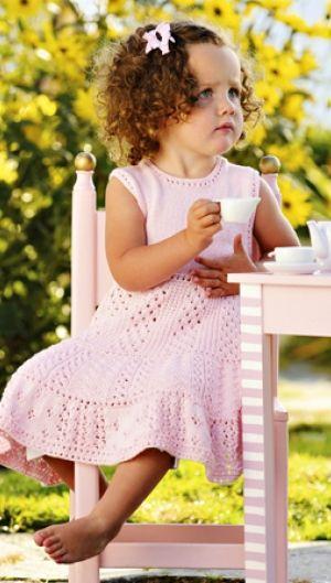 Sød i lyserød pigekjole | Familie Journal