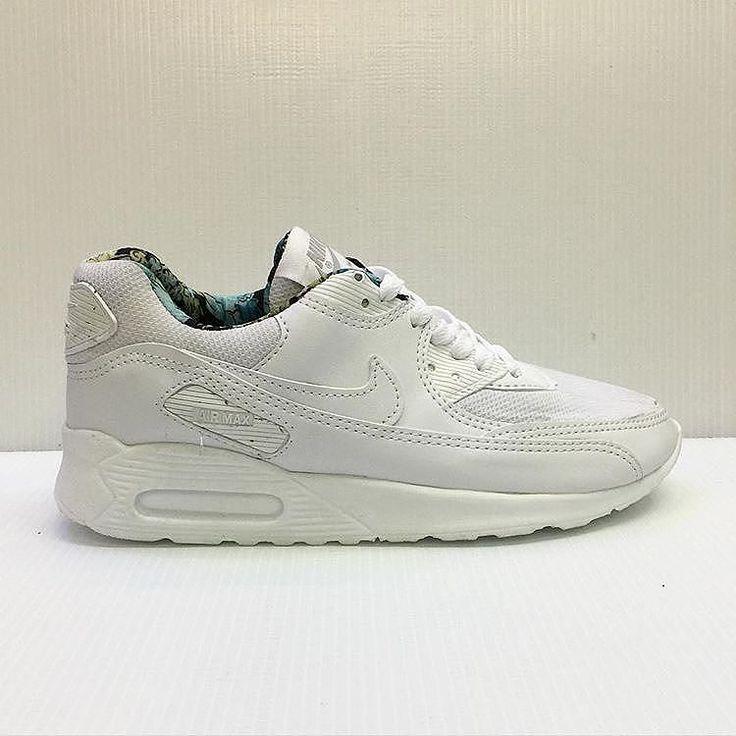 Nike Air Max GRATIS COKLAT 37-40 Rp. 200rb #sepatu #sepatumurahbanget #valentineday #coklatvalentine #coklat @zonachocolicious @caredoc #sepatucewekmurah #sepatunike @tokosepatuaira #sepatumurah #sepatucewek #sepatucowok #sepatukeren @sepaturunningnike #coklatisi #sepatunikerunning #laripagi #sepatunikeairmax #sepaturunning #nike #adidassuperstar by sepaturunningnike