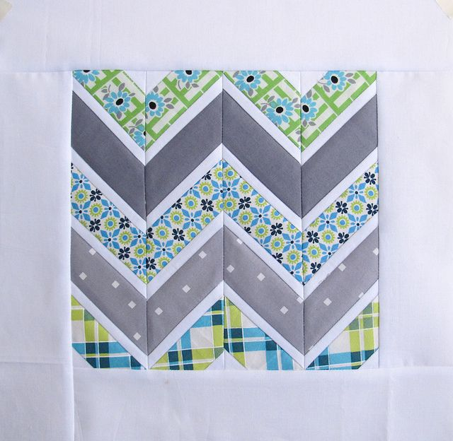 White boarders on chevrons. By Annamal Quilts