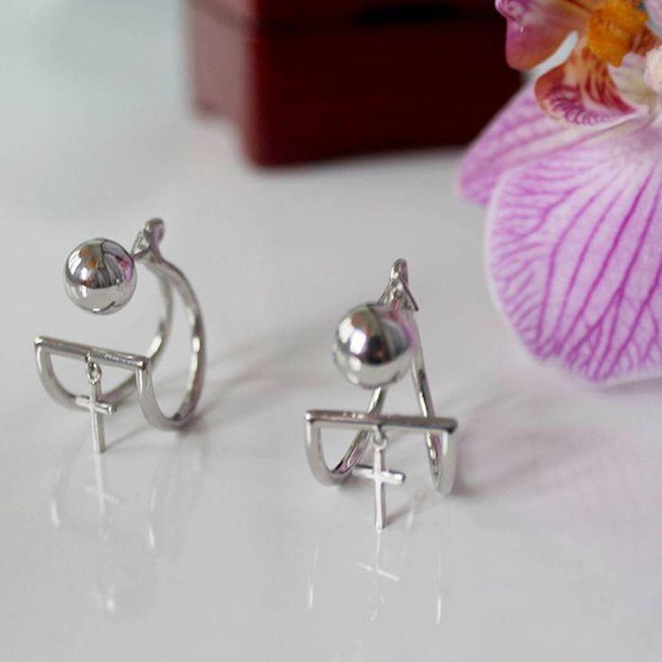 Для тех, кто не боится бросать вызов миру и себе. Ультрастильные серебряные серьги.  #jewelry #zlato_ua #zlatoUA #fashion #style #jewelryshop #kievshop #украшения #серьги