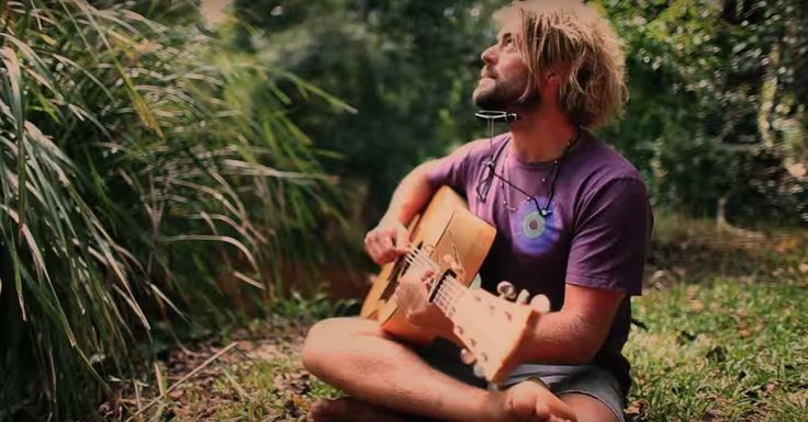 'Follow The Sun' is the first offering from Xavier Rudd since his 2010 release 'Koonyum Sun'. The clip was filmed on location at Stradbroke Island, Queenslan...