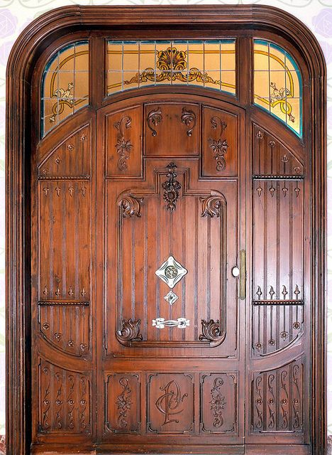 Door in Sitges, Catalonia, Spain - photo by Arnim Schulz;  home of Pere Carreres i Robert;  built in 1906;  Architect: Josep Pujol i Brull