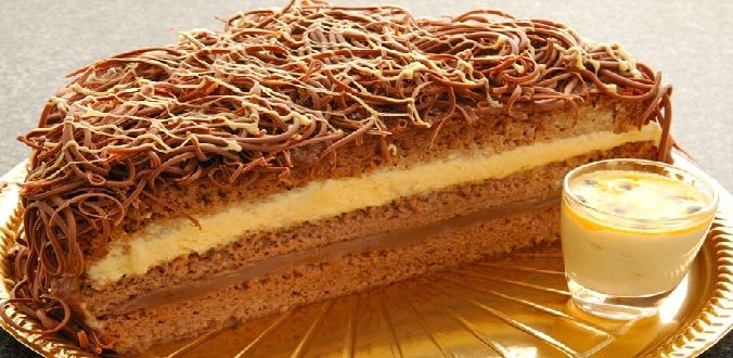 Se você quer inovar o sabor dos seus bolos, experimente o Recheio de Baba de Moça de Maracujá da Confeiteira Isamara Amâncio. Ele fica delicioso! Experimen