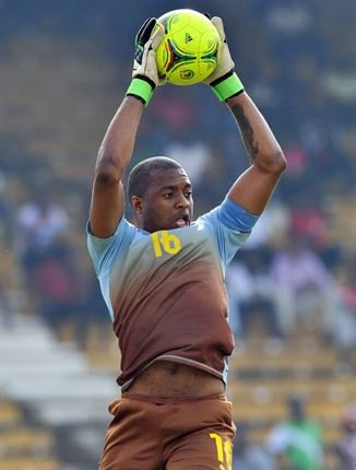 Bafana Bafana vs CAR    South African captain Itumeleng Khune makes a save.   Photo: AFP /ISSOUF SANOGO/Gallo Images / Sport24