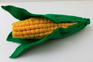 felt corn tutorial - oh my heavens..the detail! And I love that its a tutorial for the detail!!