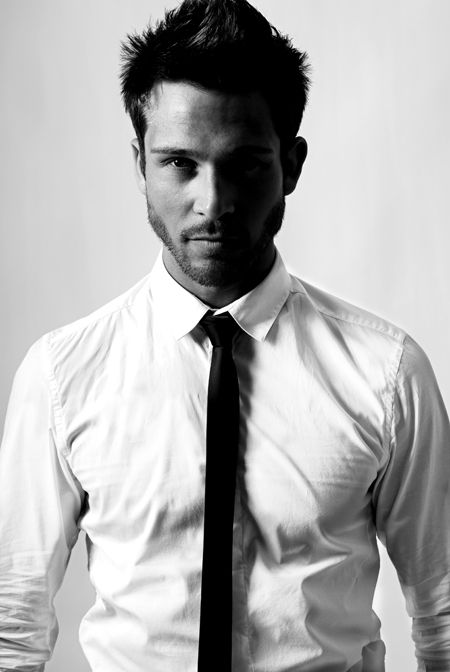 Sexy guy in a white shirt and tie, nude barbarians porn pics