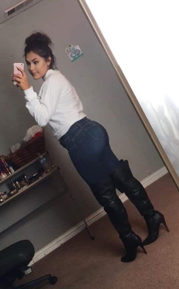Pin em Big Ass With High Boots