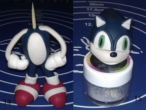 I was looking around for a Sonic tutorial or idea of how one would make a Sonic out of fondant. Did not really find anything useful, so I printed a picture of Sonic, and went to work trying to figu…