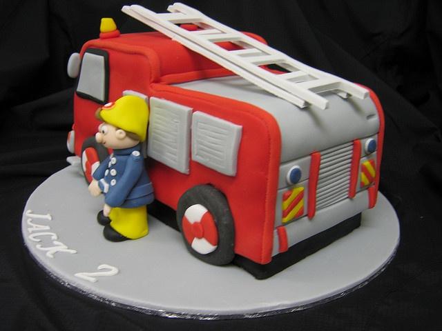 земных благ торт пожарная машина фото пытались меня