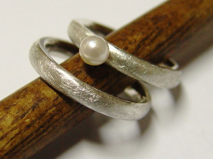 Eheringe - Eheringe / Partnerringe in Silber mit Perle - ein Designerstück von Goldschmiede-Dunder bei DaWanda