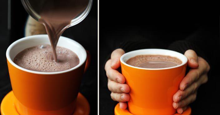 Horúca čokoláda s červeným vínom - túto kombináciu musíte vyskúšať! V zimnom období príjemne zahreje a poteší všetky naše zmysly. Lahodný nápoj
