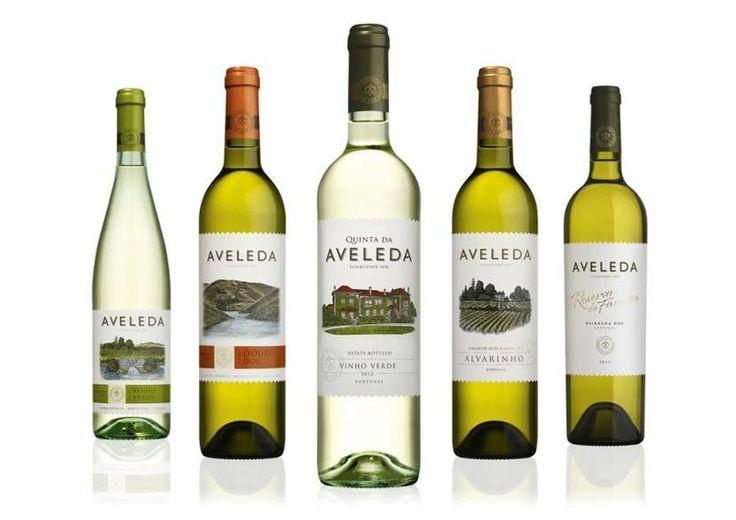 Sugestão de fim-de-semana!  Para acompanhar os melhores pratos, do verde ao maduro, nós por cá temos a sugestão.  O que é que você acha, já provou?  #aveleda #vinhos #vinhosportugueses
