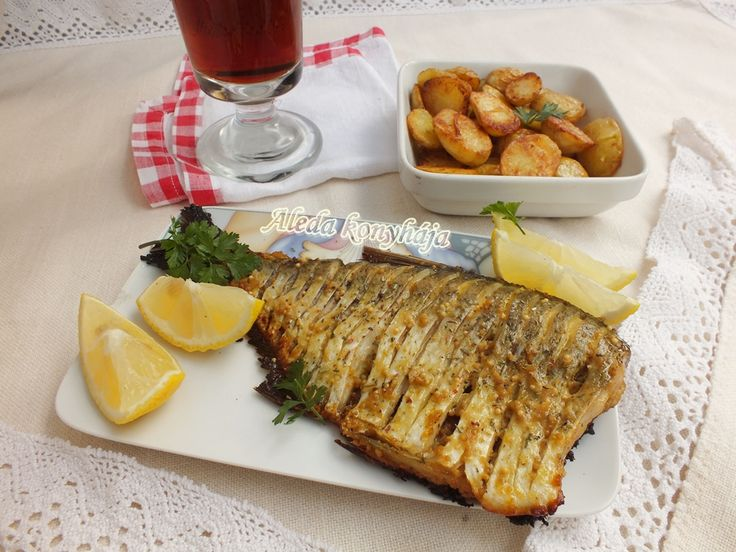 Hozzávalók  2 személyre : 2 kisebb hal, 2 evőkanál mustár, 1 evőkanál mustármag, 0,5 dl olívaolaj, 1 dl fekete sör, 1 citrom, só, bors; ...