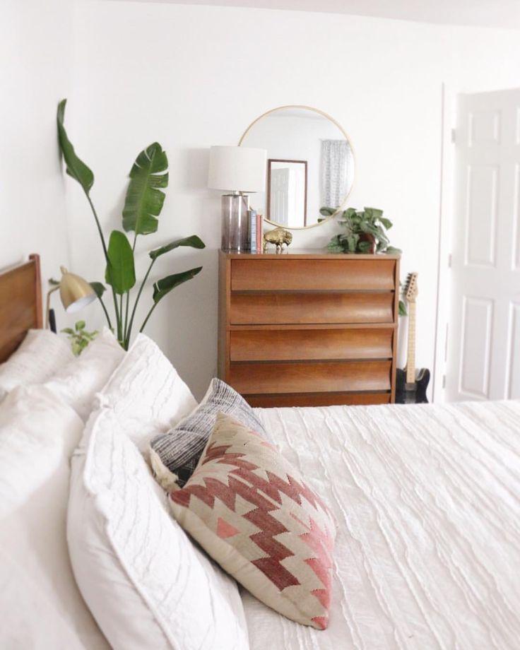 The 25+ Best Modern Boho Master Bedroom Ideas On Pinterest