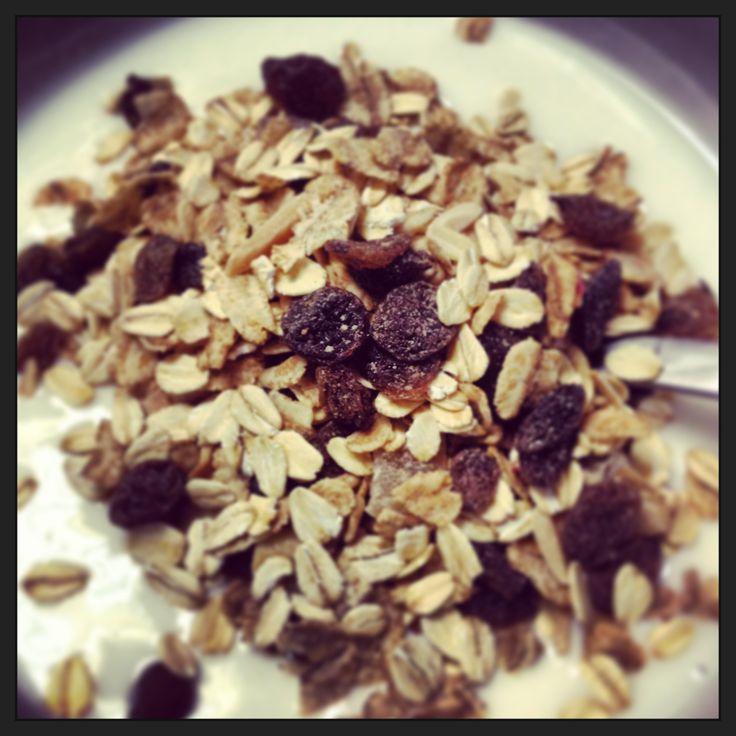 #Muesli & Yogurt = Perfection !!!  #Breakfast #Swissli #Cereals #WholeGrains #Nuts #Fruit #Raisins #Desayuno
