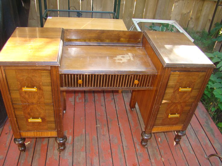 Vintage dressing table with casters and bakelite .$425, Item # DV-1003, Sold. For more items , please visit:    http://www.findandtreasure.com/catalogue
