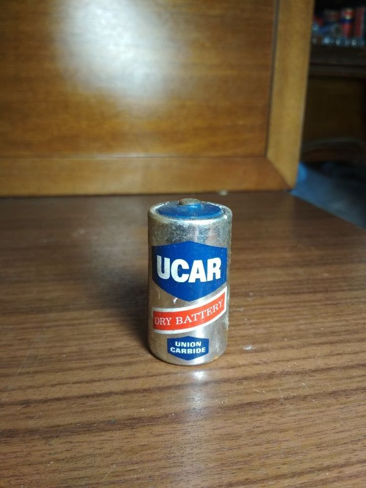 Vintage Battery Ucar Dry Battery 1.5V Size C Made in Greece