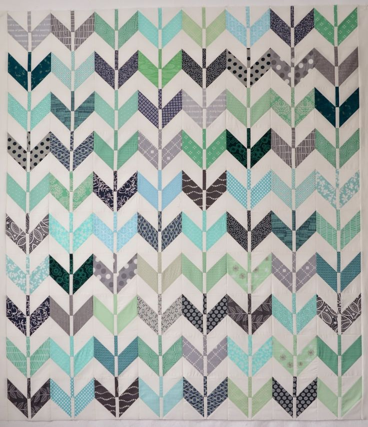 Hyacinth Quilt Designs: A Free Pattern! Modern quilt with modern fabrics.