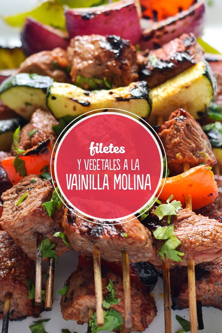 ¡Realza el sabor de tus platillos! Marina tus cortes y vegetales con un chorrito de Vainilla Molina y prueba una gran experiencia sensorial.    * Necesitamos un ingrediente ácido: limón, vinagre o cerveza.  * Aceite o mantequilla. Especias: pimienta, orégano, sal. * Y un chorrito de Vainilla Molina que le aportará una sabrosa chispa de sabor a la marinada.   Deja reposar la carne y los vegetales en esta mezcla durante media y procede a asarlos o guisarlos. ¡Para chuparse los dedos!