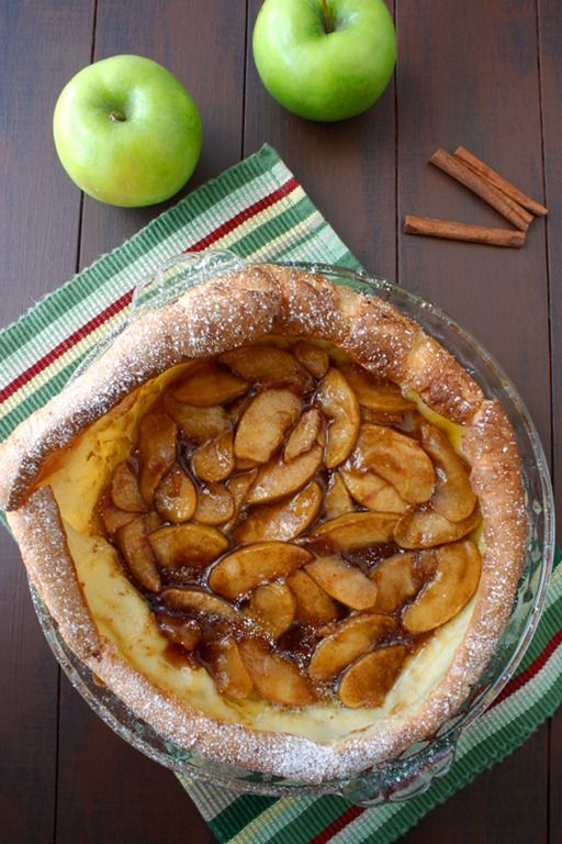 Apple Pannekoeken (Dutch Pancake) | Dulce Dough Recipes    I made it this morning.  Easy & beautiful!