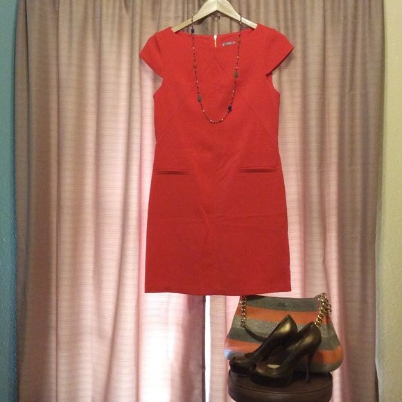 Eliza J dress! Eliza J shift dress. Decorative pockets. Cap sleeve. Long zipper on back. Above knee length. No modeling, no trades, no bundle, no holds, no PP, only sale here. I don't negotiate by command message. Push the official button. PRICE FAIRLY FIRM. Eliza J Dresses