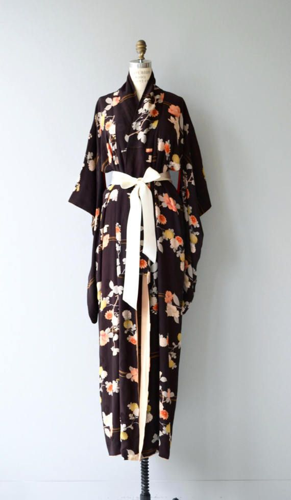 Kimono di seta floreale Aki  antichi kimono di seta anni 1920