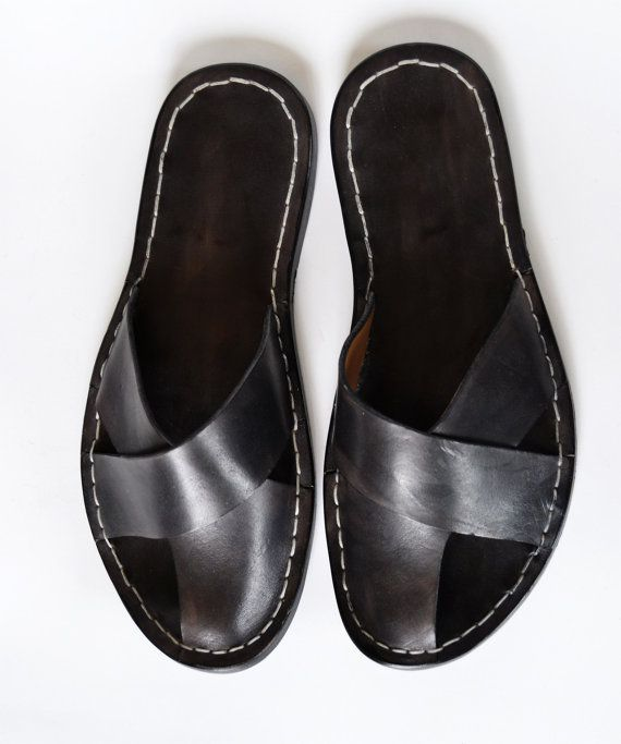 Sandals Men  Handmade in Curried Leather di MDesignWorkshop, €80.00