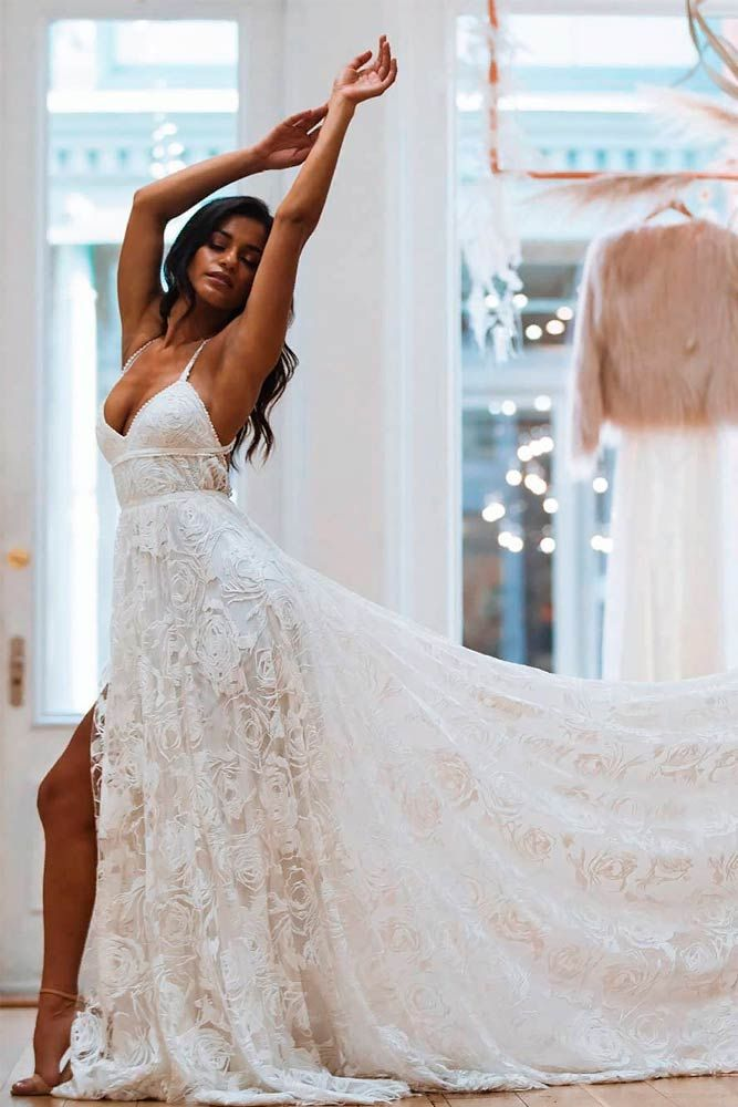 Elegant Beach Wedding Dresses For The Unforgettable Big Day Wedding Dresses Lace Making A Wedding Dress Stylish Wedding Dresses
