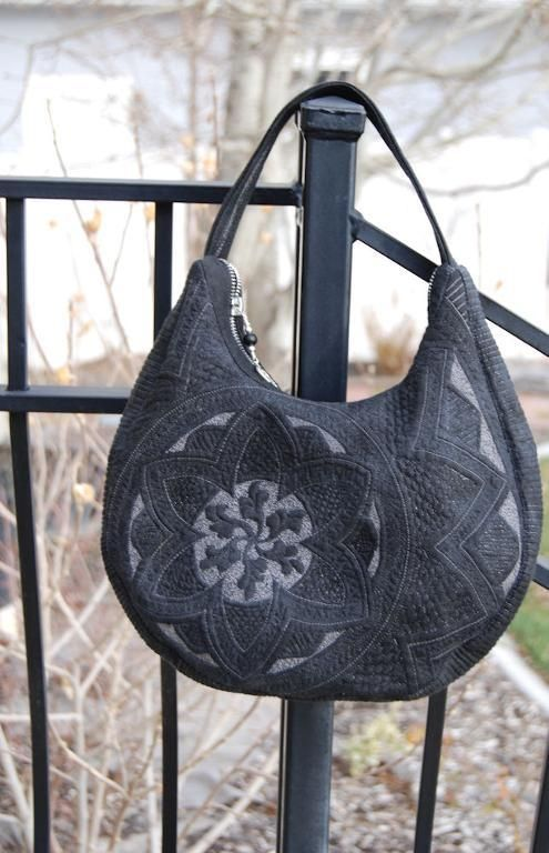 Cindy Needham S Beautiful Whole Cloth Quilting Inspired This Purse Hand Bag Diy Pinterest Machine And Crafty