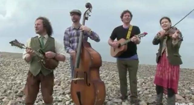 Video: Scottish Band Tours by Canoe