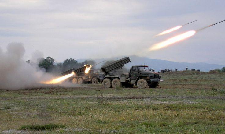 Τρεις ΠΕΠ BM-21 του στρατού των Σκοπίων (μέσω arm.mil.mk) | Three MLR BM-21 of FYROM's Army (via arm.mil.mk)