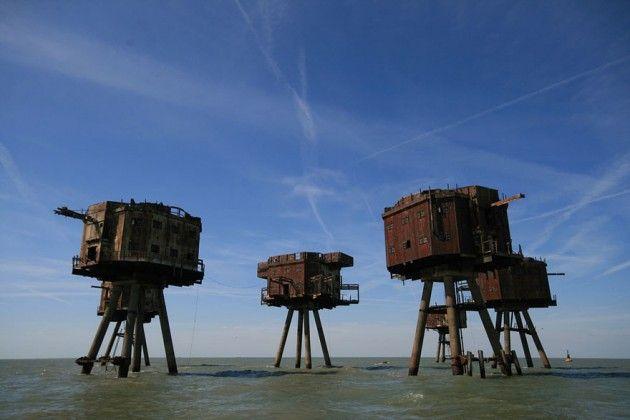 Lugares abandonados - Fortes de Maunsell Sea, na Inglaterra. Construído para a defesa inglesa na Segunda Guerra Mundial.