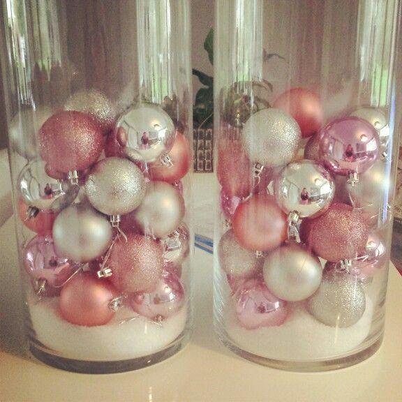 Vaas vol met kerstballen! #kerst #christmas #kerstballen #roze #zilver #lichtjes