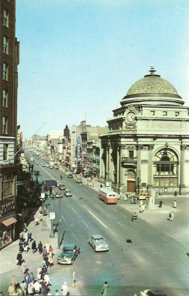 Main St., Buffalo, NY 1950s Buffalo Savings Bank - my uncle was a security guard