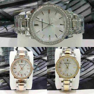 Jam Tangan Burberry Stainless Diamond Harga : Rp 230.000,-  Spesifikasi : Tipe : jam tangan wanita Kualitas : kw super Diameter : 3,5cm Tali : rantai  Pemesanan : SMS : 081802959999 Pin BB : 270C3124  Format Pemesanan : nama, no.hp, alamat, barang yang dipesan