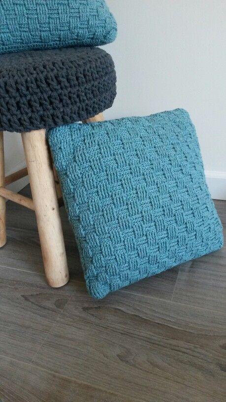 8 Best Kussenomtrek Images On Pinterest Blankets Crochet Blankets