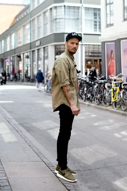 Another menswear look I love, so simple, love the black and khaki / olive colour scheme. Cute Nike sneakers too.
