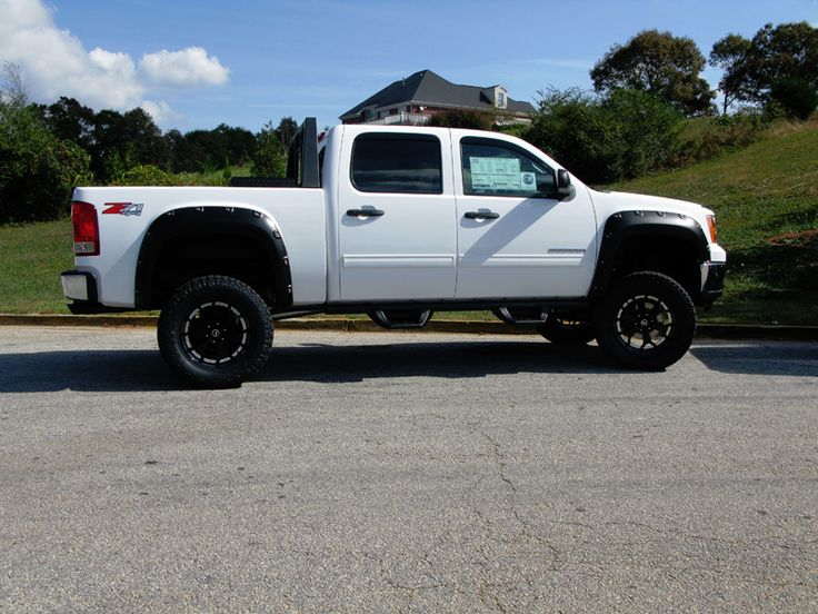 Lifted new Chevy Silverado Z71 Truck