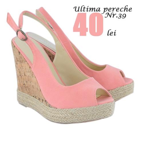 Cumpara acum!  http://www.superpantofi.ro/sandale-pink-raffia-974