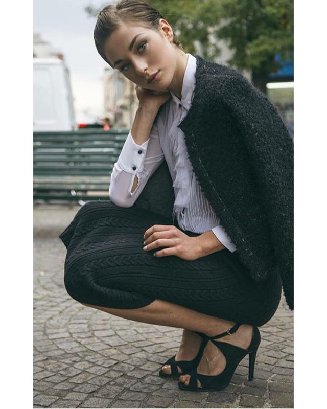 The elegante of black and white 120% Adv Fall Winter 15-16 Shot in Milan with @elenabonamico and @iconize  #120percento #fashion #adv #model #shooting #set #dress #outfit #look #cashmere #skirt #black #white #elegance #mood #fashionblogger  #120cashmere