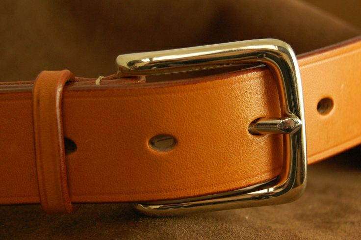 Bakers London Tan Bridle Leather belt with Ecru Lin Cable Hand Stitching and a Solid Nickel West End buckle . Beautiful and traditional oak bark tanned leather to last a lifetime
