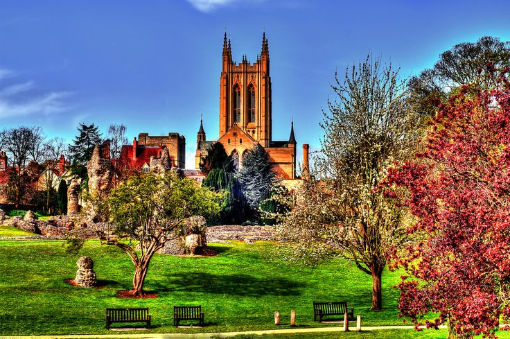 Bury St.Edmunds-UK-The Cathredal and the Abbey Garden by Francesco Cetta on 500px