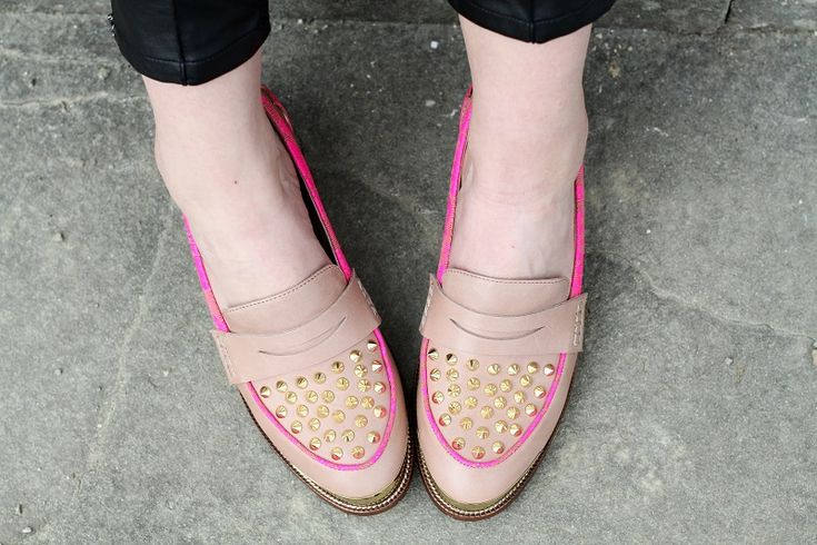 kurt geiger studs nude and fluo loafers shoes!   fashion blogger, fashion blog Irene's closet www.ireneccloset.com