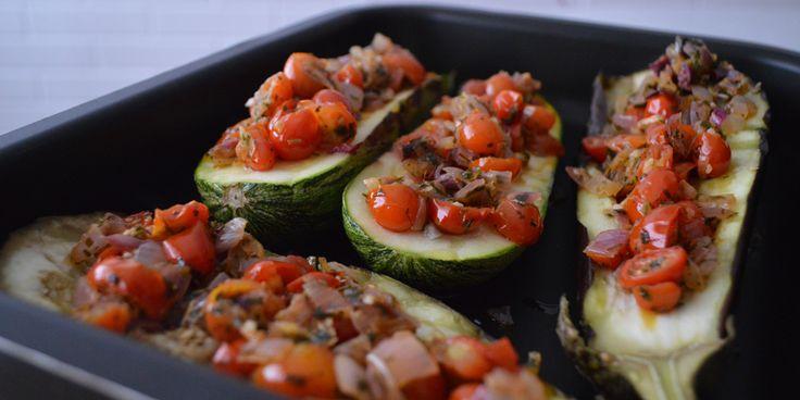 Quem disse que comer saudável dá trabalho? Semana passada 'catei' uns legumes na geladeira e fiz um gratinado de beringela, abobrinha e tomate de lamber os beiços :P O mais bacana é que…