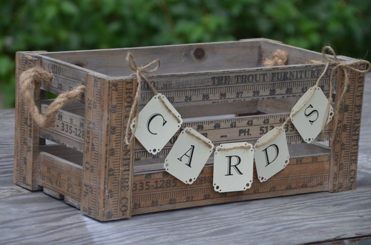 Use an old crate to collect wedding cards