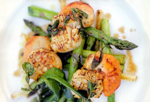 Pan-Seared Scallops with Asparagus and Baby Leeks Recipe on Yummly. @yummly #recipe
